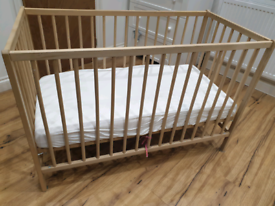 Cot (with or without mattress)