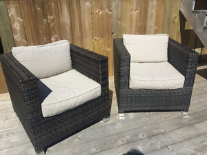 2 Rattan Outdoor Patio Chairs with cushions