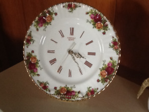 OLD COUNTRY ROSES CHINA CLOCK