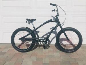 ELECTRA BICYCLE COMPANY STRAIGHT 8 CRUISER BIKE
