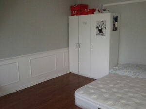 Oct move in; close to Trent U; for male student/ male young prof Peterborough Peterborough Area image 5