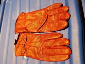 Leather gloves & mitts