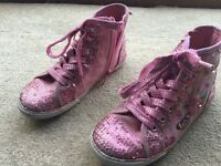 Girls shoes - MINT condition