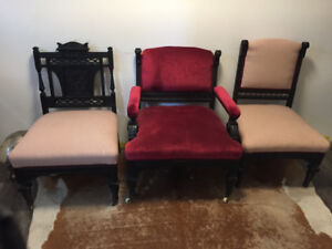 Set of 3 beautiful vintage chairs
