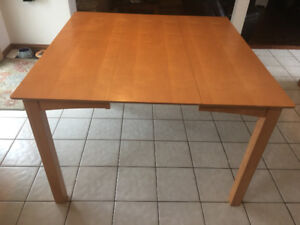 Pub Style Kitchen Table with 6 chairs