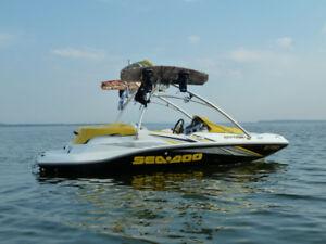 Bateau Sea-Doo Sportster 155, 16' Wake 215 hp 2006.