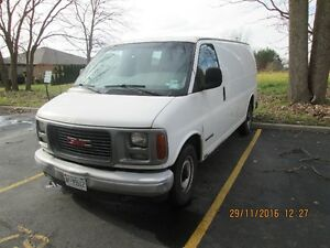 2002 GMC Savana cloth vynel Minivan, Van Windsor Region Ontario image 3