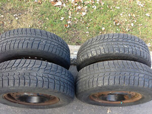 4 Winter tires 205 / 70 R15 MICHELIN X-ICE with rims good shape West Island Greater Montréal image 2