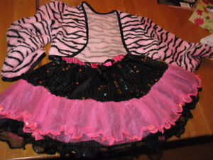 Costume rose pour fille/pink costume for girls