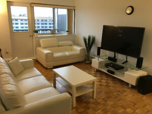 930$  3 1/2 Downtown