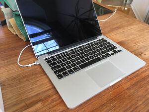 Macbook Pro A1502 2.8Ghz i7- 16GB Ram - 512GB Hard Drive Retina