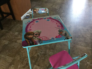 Disney -Children's  frozen table and chairs