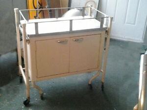 Recherche meuble hôpital. Saguenay Saguenay-Lac-Saint-Jean image 1
