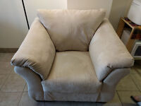 Couch in a really good condition, Barely used