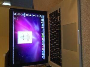 MacBook pro 13 pouces ,2010,c2d cpu 2.4ghz,memoire 4gb,disque du