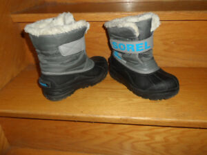 Winter kids boots Sorel size 13..New winter kids shoes EMU