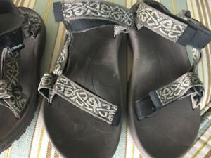 2 pair of men's sandals TEVA'S