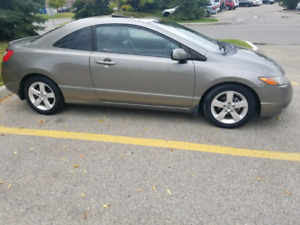 20008 civic coup , very low km, fully loaded