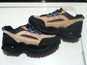 Men's WindRiver Hiking Shoes Size 7 London Ontario image 1