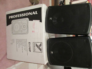 Yorkville C170P Powered Speakers