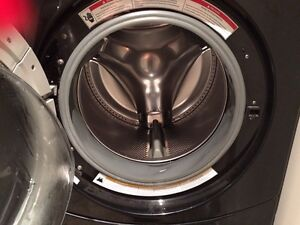 GE black electric front load dryer/washer w pedestals  London Ontario image 2