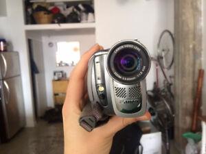 Canon Digital video camcorder ELURA 85