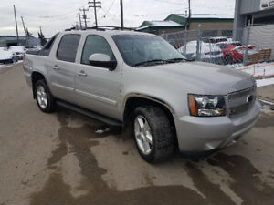 2007 Chevrolet Avalanche LT, 4x4, loaded, sun roof, 210,000 km.