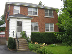 2 Bedroom Apt - Ideal for Grad Students and Teachers College !!