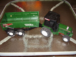 Online toys garage sale - all toys in great shape, no smoke home London Ontario image 10