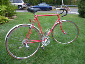 Vintage Raleigh GRAND  PRIX  Road bike