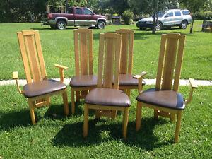 Chaises de salle à manger marque Poitras