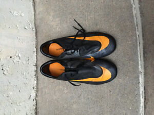 Soccer cleats Nike Mercurial outdoor youth size 4.5
