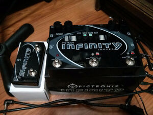 REDUCED!!! Pigtronix Infinity Looper + Undo/Reverse Switch.