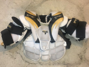 JUNIOR HOCKEY GOALIE SHOULDER PADS AND STICK