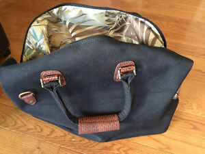 Tommy Bahamas Retro Bag Kitchener / Waterloo Kitchener Area image 4