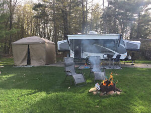 Jayco Jay Feather 7 Hybird
