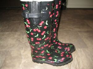 Cherry pattern Rubber boots
