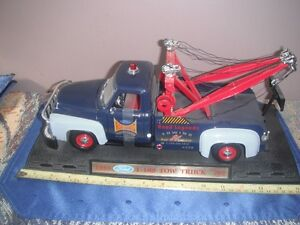 Diecast - Maisto 1953 F100 Ford Tow Truck (Road Legends)