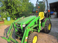 2014 John Deere 2025R with loader plus!