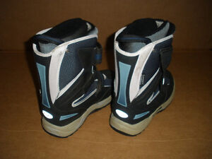 SUPERFIT Insulated Boots  Size 9 London Ontario image 4