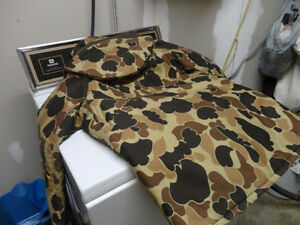 Small flotation coat camo Kingston Kingston Area image 1