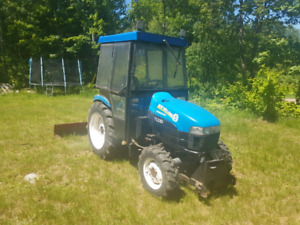 New Holland TC33D 4x4 Tractor with cab