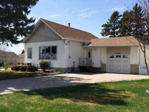 Lake view property just steps from school in Portage la Prairie