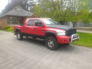 2008 Dodge Ram 3500  MEGA CAB 6 SPEED MANUAL.