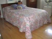 Magnificent coverlet, cushions, valance, curtain, fasteners