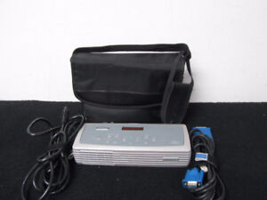 Projector InFocus LP120 with Hdmi Adapter