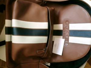 brend new coach leather backpack(good as gift)