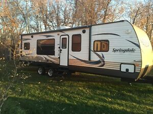 Springdale travel trailer w rear kitchen