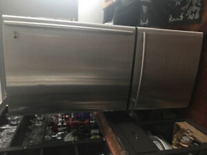 Refrigerator selling for parts only fridge works