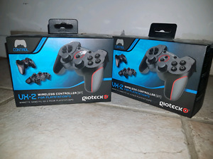 Playstation 3 controllers (wireless)  set of 2